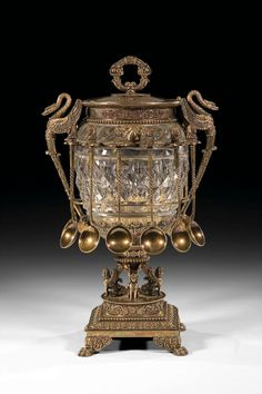 """Fabergé silver-gilt and glass caviar server. Each piece stamped with city hallmark (Moscow), assayer's mark RW in Cyrillic for Rudolph Andreevich Wjurst 84 standart and master's mark """"K. Fabergé"""" in Cyrillic. Caviar, Russian Culture, Russian Art, Antique Art, Antique Silver, Faberge Jewelry, Faberge Eggs, Decoration Table, Crystals"""