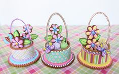 Contoured 3-D Easter Basket Cookie Trio by Julia M. Usher, www.juliausher.com