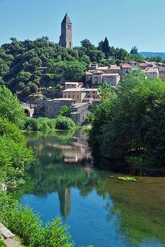 Olargues, Languedoc-Roussillon_ France