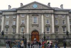 Universidad de Trinity College en el corazón de Dublín. ¿Quién no se ha hecho una foto en su interior?