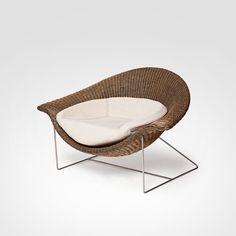 Poltrona Arraia - Assinada pelo designer Guto Índio da Costa, conquistou menção honrosa no 5º Prêmio Design MCB, realizado pelo Museu da Casa.