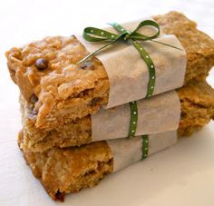 Shopgirl: Crunchy Peanut Butter and Chocolate Chip Granola Bars