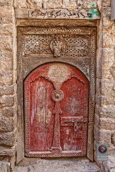 Red door, Yemen· Tür by Thomas Leonhardy· Cool Doors, Unique Doors, Entrance Doors, Doorway, Doors Galore, Porte Cochere, When One Door Closes, Knobs And Knockers, Door Gate