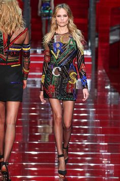 Versace Fall 2015 RTW Runway – Vogue