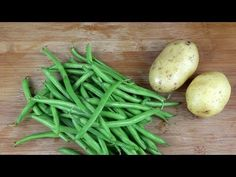 Green beans 2 Potatoes 1 Tomato saucepan, Second course of meat, Fast and Tasty - bratkartoffeln haus Asian Recipes, Healthy Recipes, Ethnic Recipes, Vegetable Medley, Green Beans, Food And Drink, Cooking Recipes, Tasty, Easy Stitch