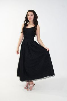 Vintage Christmas/Holiday Party Dress 50s Black Cocktail Gown Tea Length Lace Sleeveless by ScarletFury, $95.00 Vintage clothing
