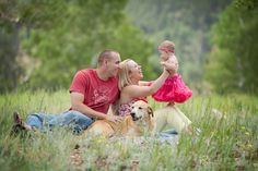 6 month family photography session with dog. 6 month family photography session with dog. 6 Month Baby Picture Ideas, Family Photos With Baby, My Family Photo, Photos With Dog, Family Christmas Pictures, Family Photo Sessions, Family Posing, Family Portraits, Family Pictures