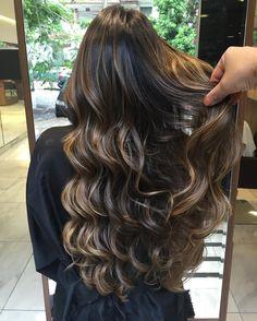 "1,818 curtidas, 45 comentários - Marciooliveira_oficial (@marciooliveira_oficial) no Instagram: ""Castanho iluminado#ombre #blond #blondhair #cabelosdediva #cabelosbh"""