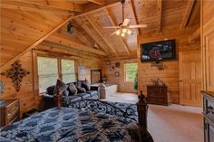 Knockin On Heavens Door -- The master bedroom in the loft has a jacuzzi tub for you to enjoy after a long day of hiking or shopping.
