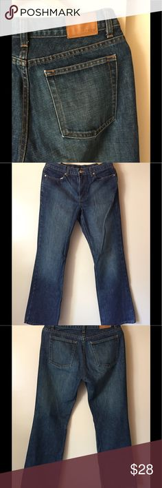 Women's J Crew 100% cotton Boot Cut Jeans Lovely cotton, medium wash J Crew  classic boot cut Jeans. Light wear and in very good pre-owned condition. Measures true to size. Style and quality you have come to rely on. j crew Jeans Boot Cut