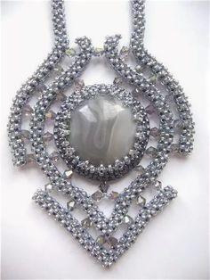 бисер квадратный жгут: 2 тыс изображений найдено в Яндекс.Картинках Seed Bead Jewelry, Bead Jewellery, Metal Jewelry, Homemade Necklaces, Homemade Jewelry, Bead Embroidery Jewelry, Beaded Jewelry Patterns, Beaded Necklace, Beaded Bracelets