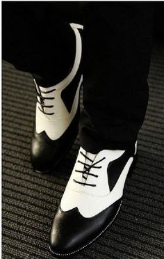 Handmade Mens spectator shoes, Men black and white lace up shoes, shoes for men #Handmade #WingTip #MensFashionWhite
