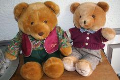VeilingSite Catawiki  Bob de beer is de door De Bijenkorf onwikkelde teddybeer, die vanaf 1988 tot midden jaren 90 Bob, een afkorting van 'bijzonder ontwikkelde beer.   * Opa beer is van Merison Retail Uithoorn