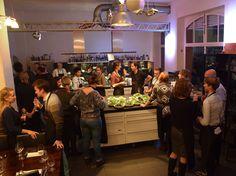 Im Marien-Eck in Köln haben wir uns zur Weihnachtsfeier selbst bekocht. Wir bedanken uns für den tollen Team-Event und wünschen Euch allen eine entspannte und besinnliche Vorweihnachtszeit.