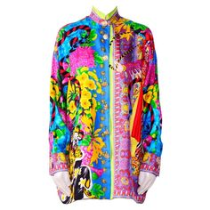 View this item and discover similar for sale at - Truly amazing iconic shirt by Gianni Versace Atelier / Couture The back of this shirt is made in silk chiffon. Versace Jeans, Versace Shirts, Gianni Versace, Cool Outfits, Fashion Outfits, Oversized Blouse, Baroque Fashion, Blouse Vintage, Blouse Styles
