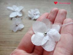 Anleitung: DIY-Kirschblüten aus Servietten basteln Source by elisaugenstein You may feel that the re Paper Flowers Craft, How To Make Paper Flowers, Origami Flowers, How To Make Beads, Flower Crafts, Paper Crafts, Embroidered Towels, Ceramic Beads, Diy Gifts