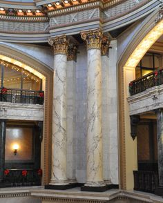 State-Capitol-Faux-Marble-Columns-in-Rotunda-Jackson-MS-2013-12-11.jpg (2048×2559)