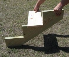 Dog Stairs for Bed (take : 7 Steps - Instructables Pet Steps For Bed, Dog Stairs For Bed, Dog Ramp For Bed, Cat Stairs, Dog Steps, Cat Ramp, How To Make Stairs, Pallet Dog Beds, Pallet Wood