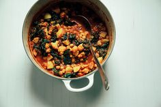 cauliflower, kale chickpea curry pot
