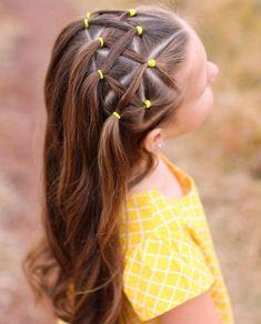 coiffure fillette élastiques jaunes