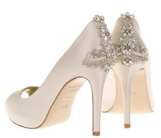 Beautiful wedding shoes for the bride - Shoes & accessories - YouAndYourWedding