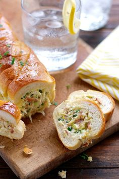 Cheesy Jalapeno Bacon Stuffed Baguette with Garlic Butter - like your favourite dip and cheesy garlic bread had a baby! Stuffed Jalapenos With Bacon, Stuffed Peppers, Jalapeno Bacon, Bacon Cream Cheese Dip, Bacon Dip, Stuffed Baguette, Stuffed Bread, Cheesy Garlic Bread, Recipetin Eats