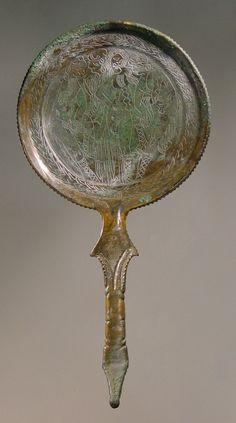 Etruscan mirror: Dioscurs, Minerva, Venus. © Foto: Antikensammlung der Staatlichen Museen zu Berlin - Preußischer Kulturbesitz