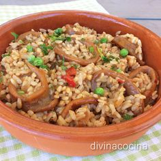 Arroz con calamares Amish Recipes, Rice Recipes, Mexican Food Recipes, Healthy Recipes, Ethnic Recipes, Spanish Kitchen, Spanish Food, Couscous, Risotto