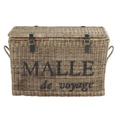 Chests & trunks on Maisons du Monde. Take a look at all the furniture and decorative objects on Maisons du Monde. Wicker Trunk, Wicker Shelf, Wicker Table, Wicker Sofa, Rattan Basket, Wicker Furniture, Wicker Planter, Wicker Headboard, Wicker Bedroom
