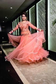 "Photo from Creative Studio Photography ""Wedding photography"" album Bridal Lehenga, Saree Wedding, Saree Gown, Indian Bridal Outfits, Wedding Preparation, Prom Dresses, Formal Dresses, Creative Studio, Ball Gowns"