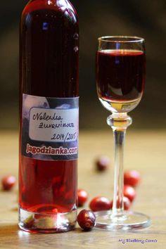 Nalewka żurawinowa - 27 lutego 2015 - My Blueberry Corner Alcoholic Drinks, Beverages, Irish Cream, Red Wine, Blueberry, Food And Drink, Cooking, Liqueurs, Corner