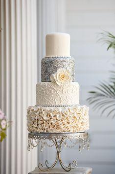 Silver Sequins Wedding Cake #weddingcakessilver