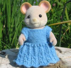 calico critter knit clothes etsy | Original knitting patterns for Sylvanian Families and Calico Critters