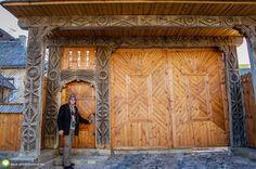 Maramureşul este un loc iubit de toţi cei care apreciază natura aşa cum ne-a lăsat-o Dumnezeu. Romania, Traditional, Furniture, Home Decor, Decoration Home, Room Decor, Home Furnishings, Home Interior Design, Home Decoration