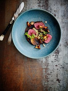 Duck Recipes, Gourmet Recipes, Gourmet Food Plating, Everyday Food, Creative Food, Food Design, Food Presentation, Food Pictures, Food Styling