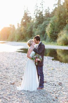 Rustic Oregon Barn Wedding (Style Me Pretty) Wedding Photography Inspiration, Engagement Photography, Wedding Inspiration, Wedding Ideas, Wedding Couples, Wedding Bride, Dream Wedding, Wedding Stuff, Wedding Dresses