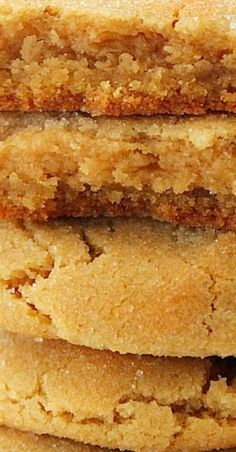 Soft and Chewy Peanut Butter Cookies - Yummy cookies - Dessert Recipes Soft Peanut Butter Cookies, Peanut Butter Granola, Peanut Butter Recipes, Yummy Cookies, Cookies Soft, Peanut Butter Brownies, Peanut Better Cookies, Peanut Butter Cookie Recipes, Peanut Butter Squares