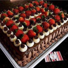 New cake chocolate fruit peanut butter 61 ideas Cake Cookies, Cupcake Cakes, Fresh Fruit Cake, Basic Cake, New Cake, Cake Decorating Tips, Drip Cakes, Savoury Cake, Sweet Cakes