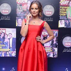 Look da semana: Paolla Oliveira elege vestido vermelho sexy
