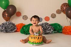 jungle animal cake smash, animal cake smash idea, little boy cake smash idea