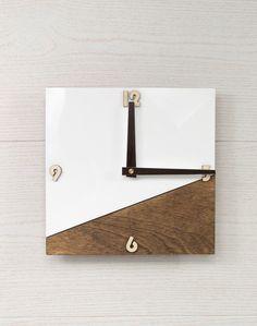 Silver Wall Clock, White Wall Clocks, Wall Clock Wooden, Rustic Wall Clocks, Unique Wall Clocks, Wood Clocks, Rustic Walls, Diy Clock, Clock Decor