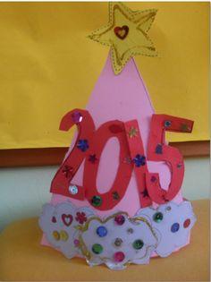...Το Νηπιαγωγείο μ' αρέσει πιο πολύ.: Με καπέλα λαμπερά και πλουμιστά υποδεχτήκαμε το 2015! Και το πάρτυ αρχίζει!!!!!!!!! New Year's Crafts, Pre School, Happy New Year, Christmas, January, Activities, Ideas, Xmas, Navidad