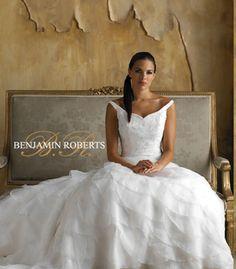Esküvői ruhák, menyasszonyi ruha szalon - AMARILLA Esküvőiruha - esküvői ruha, menyasszonyiruha, frakk, szmoking kölcsönzés és vásárlás - menyasszonyi ruhaszalon, esküvői ruhakölcsönző menyasszonyiruhák, esküvőiruhák, kölcsönzése és vásárlása - Budapest, koszorúslány, menyecske, alkalmi, báli, estélyi, ceremónia, szalagavatós, szalagavató, keringő ruha kölcsönző, ruhák, esküvői öltöny, frakk, szmoking, smoking, koszorúslányruha, alkalmiruha, báliruha, estélyiruha, ceremóniaruha…