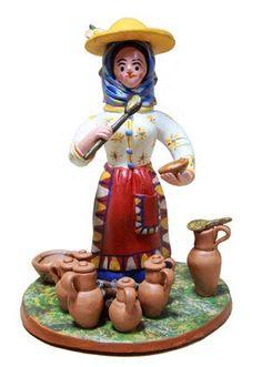 Bonecos de Estremoz. Traditional handmade clay figures from Estremoz. #alentejo #visitalentejo #portugal #visitportugal #estremoz #handicraft #handmade #clay #figures #bonecosdeestremoz