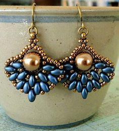 Linda's Crafty Inspirations: Pattern Review: Retro Fans Earrings: