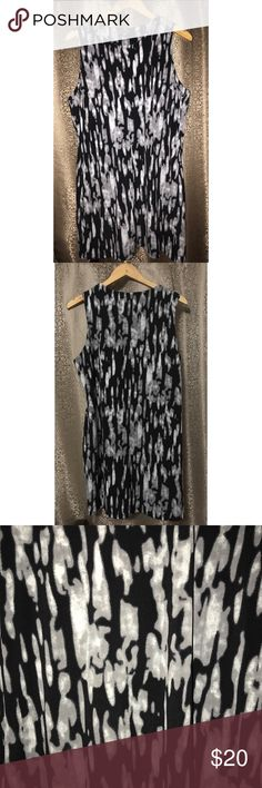 Vince Camuto Black & Gray Short Sleeve Dress Sz XL Pre-owned, I'm great condition. Vince Camuto Short Sleeve Dress. Black, white, and gray. Size XL. Made in China. Body: 95% polyester 5% spandex. Lining: 100% polyester. Vince Camuto Dresses Mini