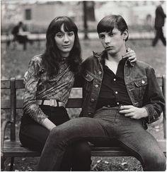 Diane Arbus: Young Couple in Washington Square Park, 1965.