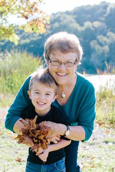 grandma grandson photo idea chalkboard kiss cool photos