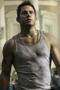 White House Down: Channing Tatum ❤️ good god can that man can hang a wife beater!!!