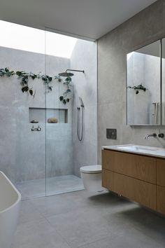 Beach House Bathroom, Small Bathroom, Marble Bathrooms, Dream Bathrooms, Bathroom Feature Wall, Light Grey Bathrooms, Colorful Bathroom, Beach Bathrooms, Ensuite Bathrooms